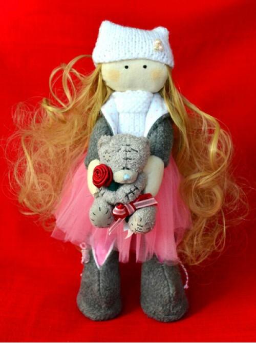 Девочка Златовласка с мишкой Тедди